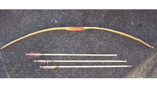 Osage Orange Kid's Bow and 3 Arrows