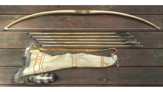 Klamath Bow, Quiver, and 5 Arrow Set